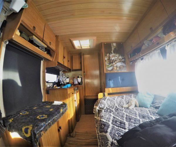 .O interior da nossa auto caravana